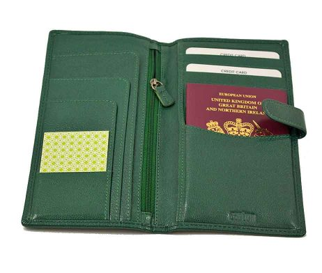 Easton Travel Wallet Emerald Leather with passport